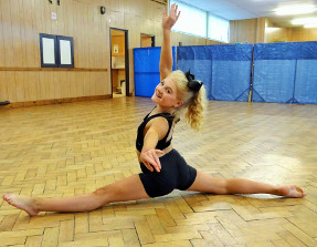 Holli Hadfield, Junior Group Dancer of the Year